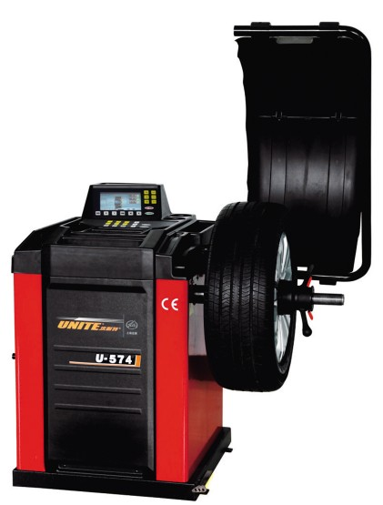 U-574 self-calibrating computer wheel balancer