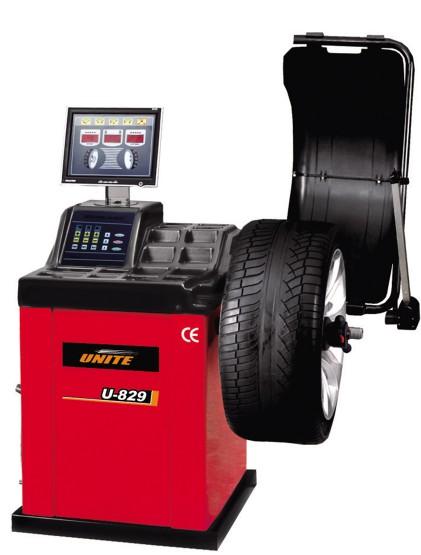 U-829 self-calibrating computer wheel balancer